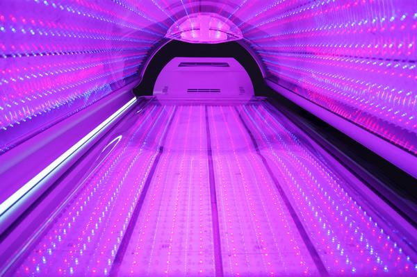 Body-boost-bed-Full-body-photobiomodulation-red-light-photomodulation-red-light-bed-inside-600x400